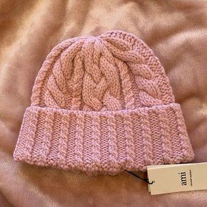 Ami hat